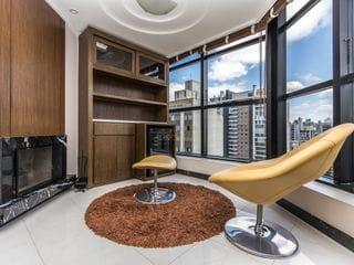 Foto do Apartamento-Apartamento à venda com 3 quartos (1 suíte) -  Água Verde, Curitiba.
