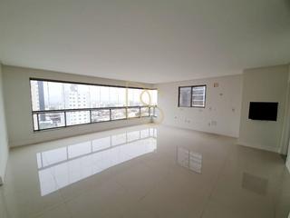 Foto do Apartamento-Belíssimo Apartamento à venda, amplo, 3 quartos,  02 vagas de garagem, no Centro, Balneário Camboriú, Santa Catarina