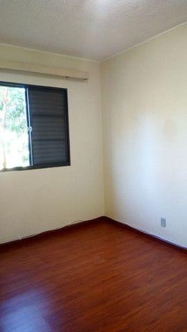 Foto do Apartamento-Lindo apartamento 3 dormitórios, 1º andar à venda, todo reformado, ventiladores de teto, armários embutidos no Sabiá 3, Parque Viaduto, Bauru, SP