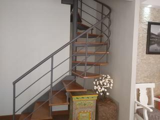Foto do Apartamento-Apartamento Duplex  2 depósitos integrados no subsolo, revestidos com ouso, prateleiras removíveis de altura. Esse depósito não está para alugar, a não ser que