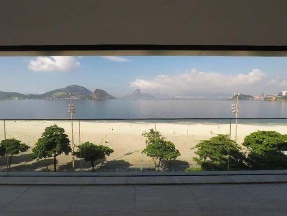 https://static.arboimoveis.com.br/AP0126_FLEXIM/the-one-praia-de-icarai-oportunidade1621345375203xswnz.jpg