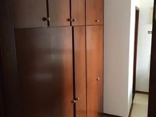 Foto do Apartamento-Apartamento Amplo no Edifício San Michael com 3 quartos e 1 suíte, perto do Hospital Evangélico, avenida JK, Av Duque de Caxias, Centro, Londrina, PR.