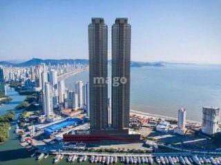 Foto do Apartamento-APARTAMENTO   • Dois apartamentos por andar de 257m²; • 4  suítes por apartamento (sendo 1 master), mais dependência de empregada com banheiro; • Living com vis