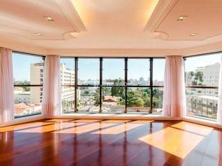 Foto do Apartamento-Apartamento pronto para morar, possui 3 suítes com armárias sob medida, sala para 4 ambientes, varanda gourmet, lareira e 3 vagas de garagem.    Próximo a Praç