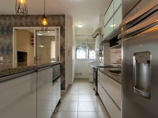 Foto do Apartamento-Apartamento com 3 quartos sendo uma súite, cozinha americana, sacada com churrasqueira, mobiliado, 2 vagas, no Portão, Curitiba, Paraná.