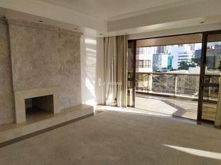 Foto do Apartamento-Apartamento em condomínio de luxo, possui 4 suítes, sendo 1 suíte master, amplas salas com lareira, sacada, churrasqueira e elevador privativo.    Construído e
