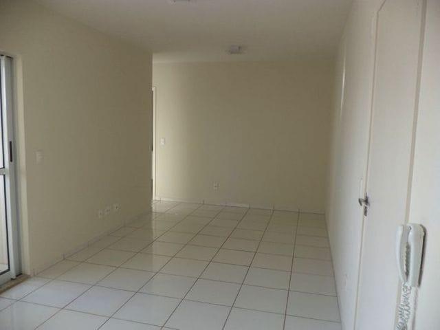 Foto do Apartamento-Apartamento à venda no  Centro - 2 Quartos - 1 Banheiro - Andar alto - Sacada - Cozinha planejada - Banheiro com box e armários - Próximo ao Terminal e Calçadão