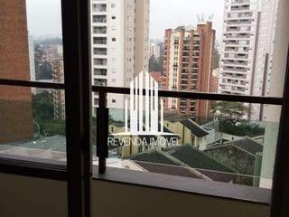 Foto do Apartamento-Apartamento com 2 dormitórios, 1 banheiro, sala de estar e 1 vaga de garagem.