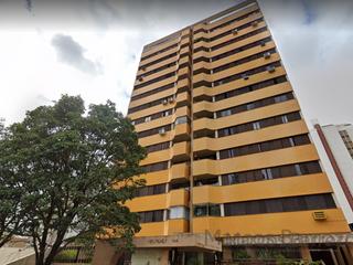 Foto do Apartamento-Belíssimo apartamento com 3 quartos (1 suite), sala para 2 ambientes e porcelanato, 100 metros da Av Higienópolis,  à venda, área nobre do  Centro, Londrina, PR