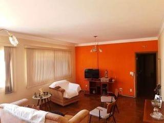 Foto do Apartamento-Apartamento a Venda no Ed. LÍDER, Centro, 145m útil com 3 Quartos 1 Suíte, Completo de Armários, 1 Vg. Reformado