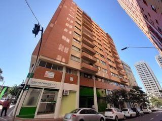 Foto do Apartamento-Apartamento à venda região Central  de Londrina, PR, 4 quartos, 2 salas, próximo aos principais comércios da cidade, muito bem localizado com 1 vaga de garagem