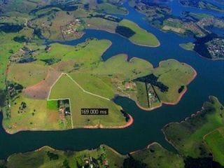 Foto do Área-Área na Represa de Piracaia.