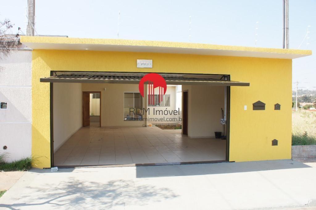 https://static.arboimoveis.com.br/CA0001_RDM/casa-para-venda-em-piracicaba-jardim-asturias-ii-dormitorios-suite-banheiros-vagas1629183180438ibohd.jpg