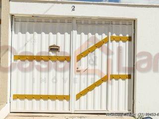 Foto do Casa-Esta linda casa, de 2 dormitórios, com garagem para até 3 veículos, no Bairro São Pedro II, em Esmeraldas(MG), você só encontra aqui na CASA E LAR IMÓVEIS!