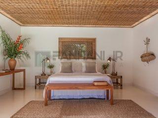 """Foto do Casa-VENDO  CASA EM TRANCOSO - """"Arquitetura & Design""""  - Av Itabela.   Área:1.669 m² Área construída:885 m²  6 suítes com ar condicionado, Piscina de borda"""
