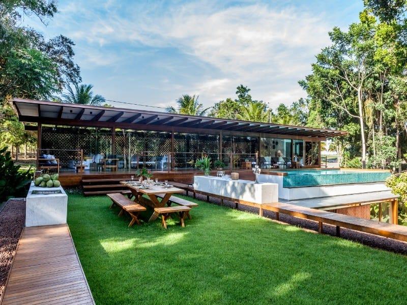https://static.arboimoveis.com.br/CA0005_FANHAN/vendo-casa-em-trancoso-arquitetura-design-av-itabela-area-m-area-construida-m-suites-com-ar-condicionado-piscina-de-borda1624522943453yngab.jpg