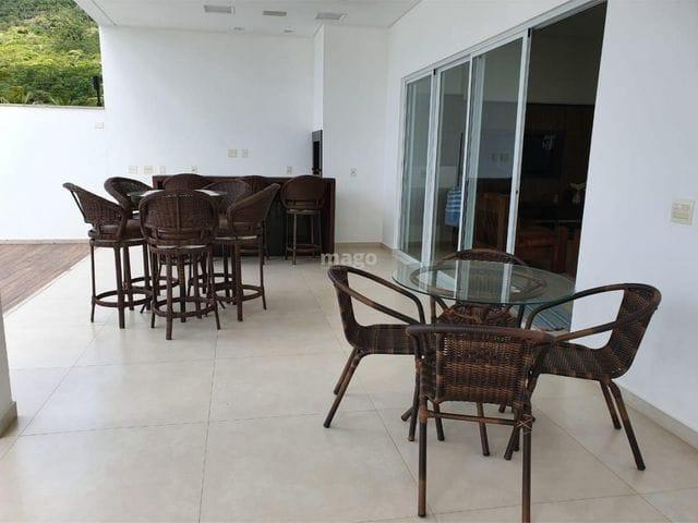 Sala 2 Ambiente Lavando Lavanderia Cozinha Churrasqueira Piscina Garagem Coberta Para 4 Carros Mais Area Aberta Aquecedor Mobiliada Caracteristicas Desta Mago Imoveis