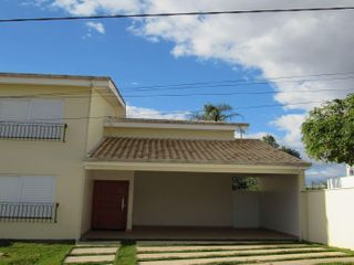 Foto do Casa-Casa à venda em Bragança Paulista - Village Sunset.