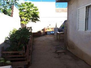 Foto do Casa-Casa para Venda em Maringá, Jardim Oriental, 2 dormitórios, 1 banheiro, 3 vagas