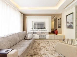 Foto do Sobrado-Sobrado a venda no bairro São  Francisco, 4 quartos sendo 1 suíte, 2 vagas cobertas, ático amplo, com móveis planejados, em Curitiba, Paraná.