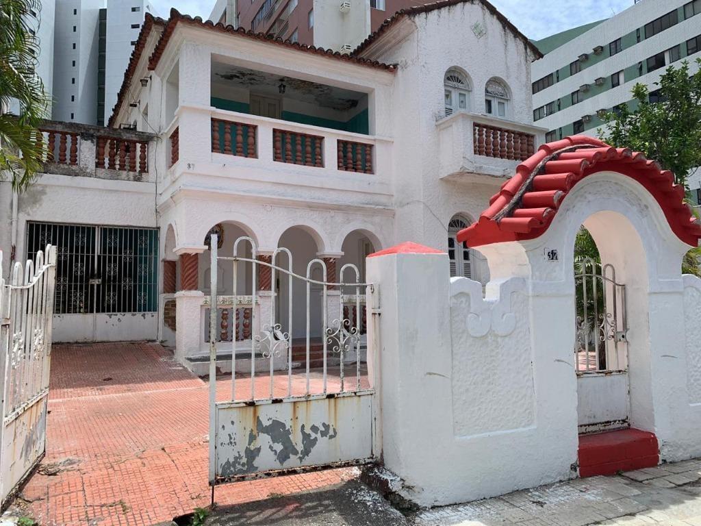 https://static.arboimoveis.com.br/CA0044_TMI/casa-comercial-na-rua-amapa-aflitos-recife-pe1628020549777vcnvx.jpg