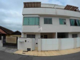 Foto do Casa-Sobrado para Locação Anual no bairro Municípios em Balneário Camboriú, 3 quartos sendo 1 suíte, 1 vaga, Semi-Mobiliado, Sobrado perto da UNIVALI com 3 quartos s