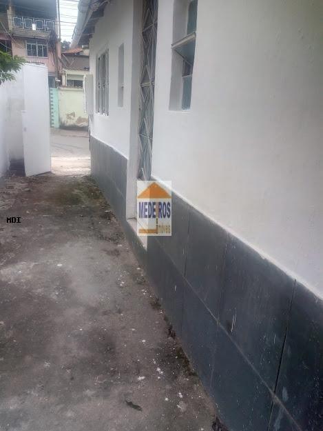 https://static.arboimoveis.com.br/CA0064_MEDEIR/casa-para-locacao-em-belford-roxo-das-gracas-dormitorio-banheiro1629918398317zmvjo.jpg