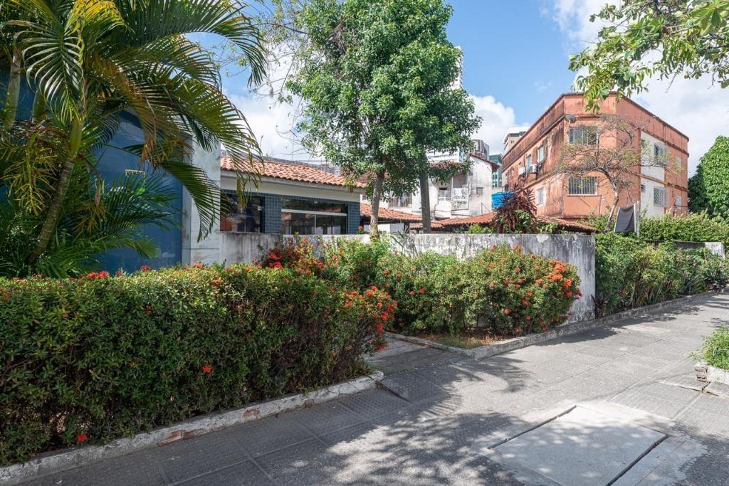 https://static.arboimoveis.com.br/CA0066_TMI/casa-com-dormitorios-m-venda-por-r-ou-aluguel-por-r-mes-ilha-do-leite-recife-pe1628020780848rttwl.jpg
