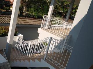 Foto do Casa-Casa com 3 dormitórios, sendo 1 suíte - Jardim América. Agende sua visita com a Dennes Imóveis.