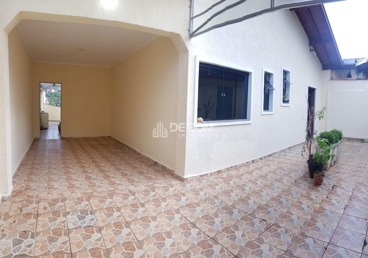 https://static.arboimoveis.com.br/CA0076_DEBOM/casa-santa-angela1626817653424klrql_watermark.jpg