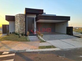 Foto do Casa-Linda Casa em Condomínio Fechado