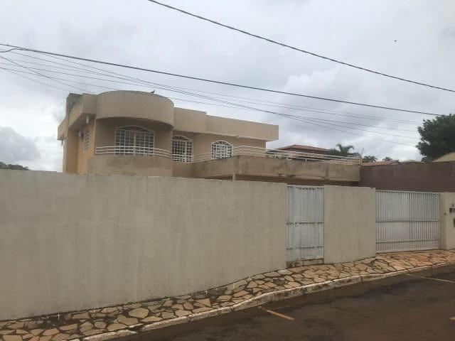 https://static.arboimoveis.com.br/CA0276_QCI/casa-a-venda-quartos-suites-vagas-setor-habitacional-vicente-pires-brasiliadf1619605972889ovdkn.jpg
