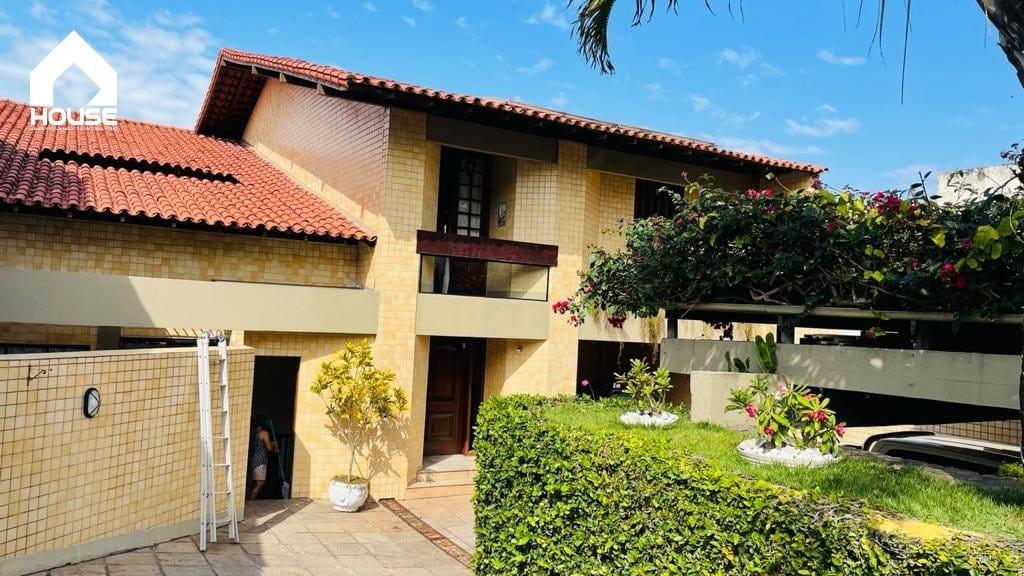 https://static.arboimoveis.com.br/CA0316_HSE/espetacular-residencia-na-ilha-mais-bonita-de-vitoria-com-qts-com-suite-e-closed-salas-cozinha-piscina-garagem-para-carros-linda-vista1627408887591deiae.jpg