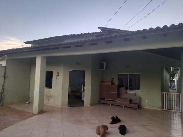 https://static.arboimoveis.com.br/CA0366_QCI/casa-a-venda-quartos-suite-vagas-setor-habitacional-vicente-pires-brasiliadf1630398275824wjcdq.jpg