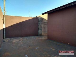 Foto do Casa-Casa com 3 dormitórios à venda, 200 m² por R$ 233.000 - Santa Emília - Jardinópolis/SP
