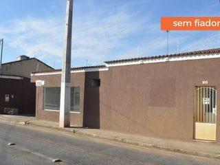 Foto do Casa-Casa com 1 quarto e ampla garagem para locação, Aparecida, Bragança Paulista, SP
