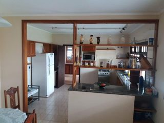 Foto do Casa-Casa à venda com 4 quarto 2 suíte e 3 vagas de garagem no Jardim Santa Helena,  Bragança Paulista/SP