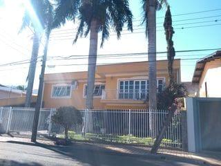 Foto do Casa-Casa sobrado a venda atrás do Hospital Evangélico - Excelente espaço e localização para área comercial - 320m² - 4 quartos - 2 salas - Closet - Banheira - Ofurô
