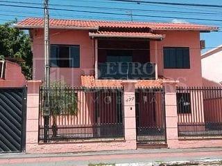 Foto do Casa-Casa  com 3 Dormitórios sendo 1 suíte 2 vagas de garagem