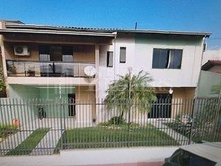 Foto do Casa-Casa no centro de Balneário Camboriú com 3 dormitórios sendo 1 suíte