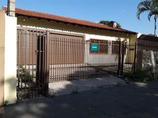 Foto do Casa-Casa no Jd. Andrade com 04 dormitórios  sendo 01 suíte, sala em 02 ambientes, cozinha, 01 lavabo e 02 banheiros.