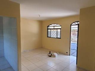 Foto do Casa-Casa Térrea à venda, Jardim Oscavo Santos - Próximo a Cativa e Barragem do Igapó - 3 Quartos - Garagem - Banheiro Social  - Sala