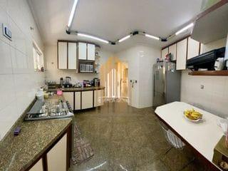 Foto do Casa-Casa com 03 suítes e 06 vagas de garagem no bairro da Barra Funda