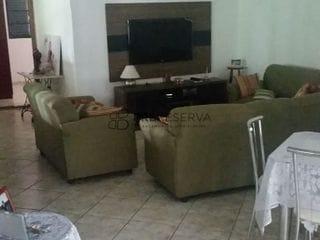 Foto do Chácara-Chácara Impecável com 03 quartos, piscina e pomar à venda na cidade de Fernão Dias, a 48km de Bauru SP