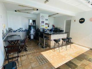 Foto do Cobertura-Apartamento Cobertura Triplex Piscina Venda com 4 quartos 2 suítes 1 master sauna e churrasqueira gourmet no Centro de Londrina, PR e terraço amplo.