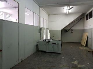 Foto do Galpão-Galpão/Depósito/Armazém com 1 Quarto e 4 banheiros à Venda