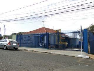 Foto do Loja-Casa comercial ao lado do Posto Piramide