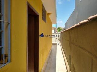 Foto do Outro-Casa de frente para aluguel, 1 quarto, 1 vaga, Vl. Caodaglio - Jundiaí/SP
