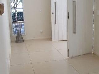 Foto do Casa-Sobrado em condomínio fechado à venda, Sociedade Recanto da Pitangua, Gleba Palhano, Londrina, PR, próximo ao shopping Catua, aceita permuta.