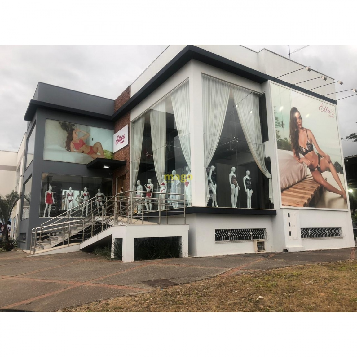 https://static.arboimoveis.com.br/PR0002_MAGO/imovel-comercial-para-venda-no-bairro-ilhota-em-ilhota-mobiliado-m-privativos-predio-comercial-centro-de-ilhota-1611938853659uxnjr.jpg